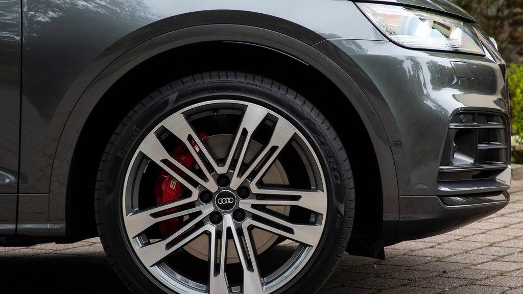 2020 Audi SQ5  Front Alloy Wheel