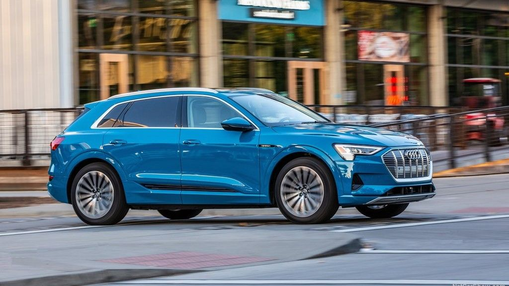 2020 Audi E-Tron Right Side View