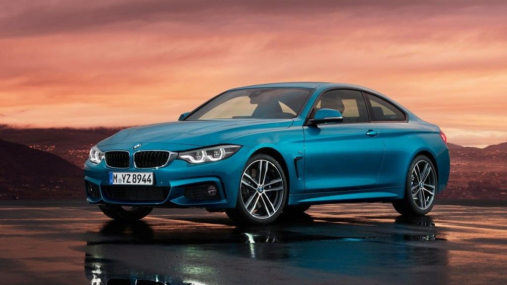 2020 BMW 4 series Coupe front three quarter view