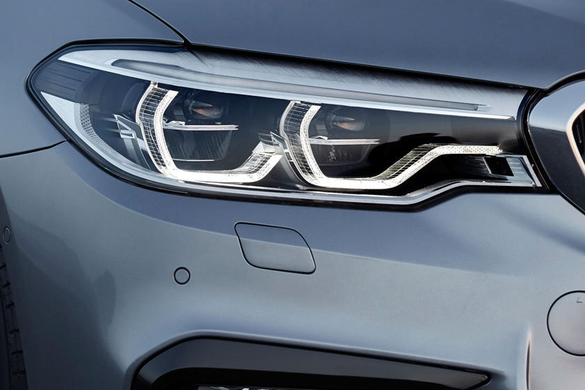 2020 BMW 5 series headlight
