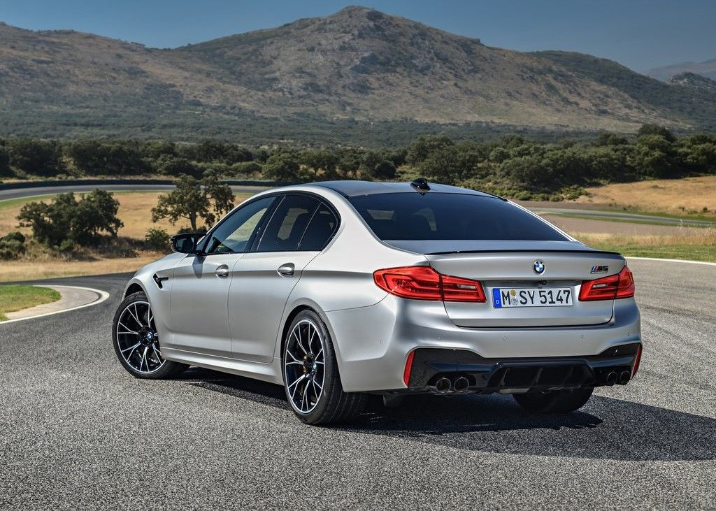 2020 BMW M5 rear view