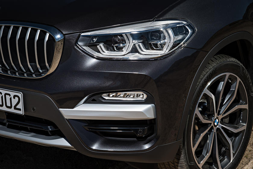 2020 BMW X3 headlight
