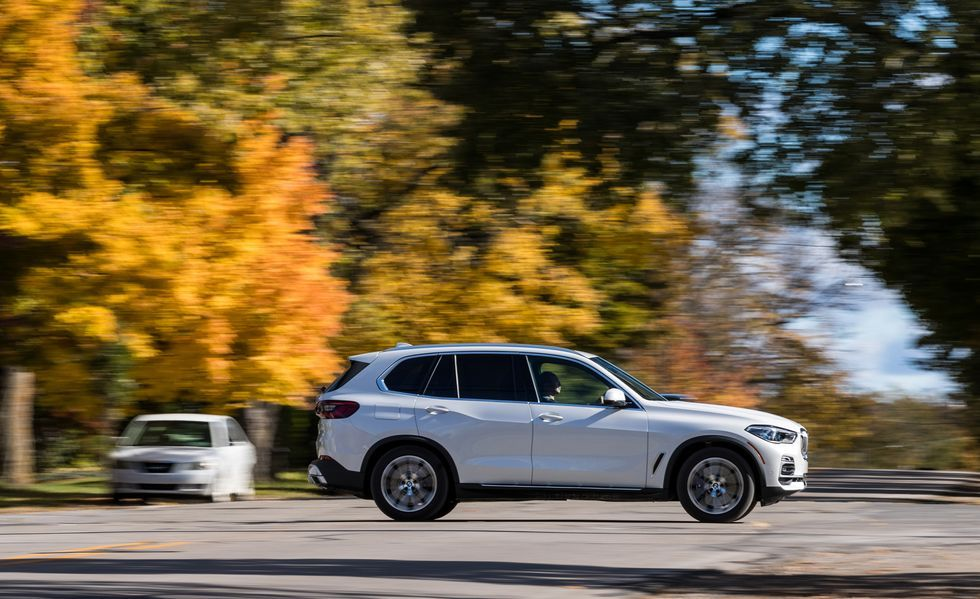 2019 BMW X5 side view