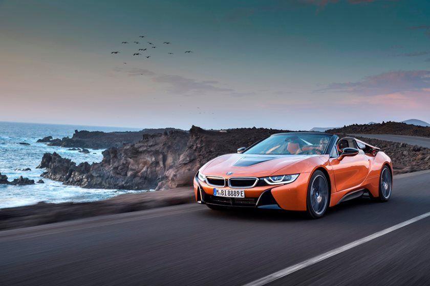 2019 BMW i8 front view