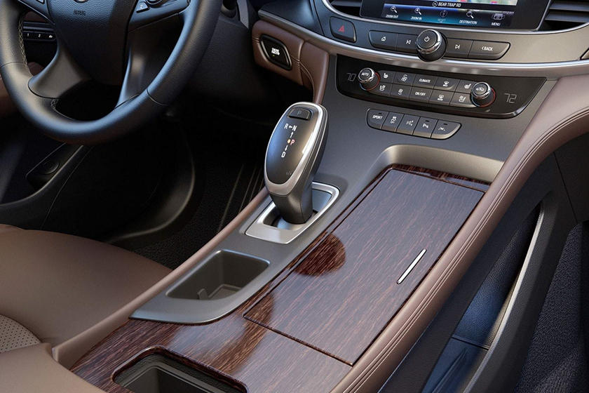 2020 Buick Lacrosse center console