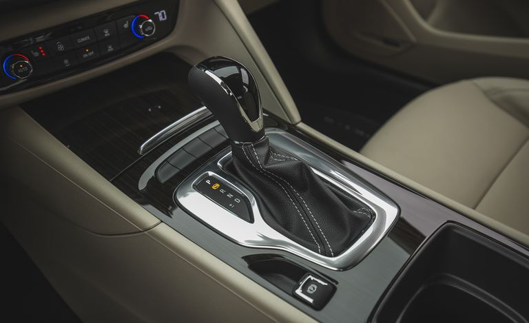 2020 Buick Regal center console