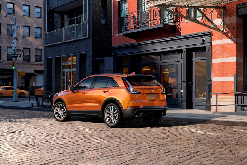 2020 Cadillac XT4 rear view, orange