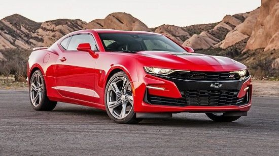 2020 Chevrolet Camaro Front Three-Quarter View