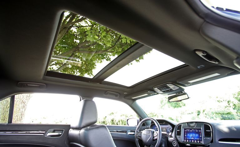 2019 Chrysler 300 sunroof