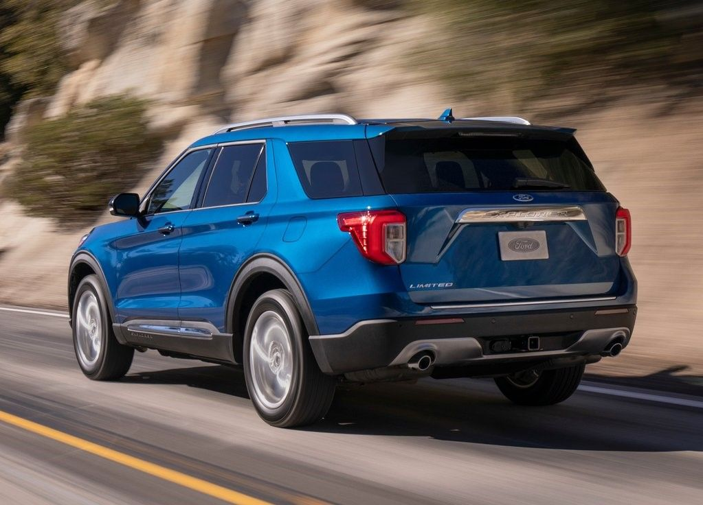 2020 Ford Explorer Angular Rear View