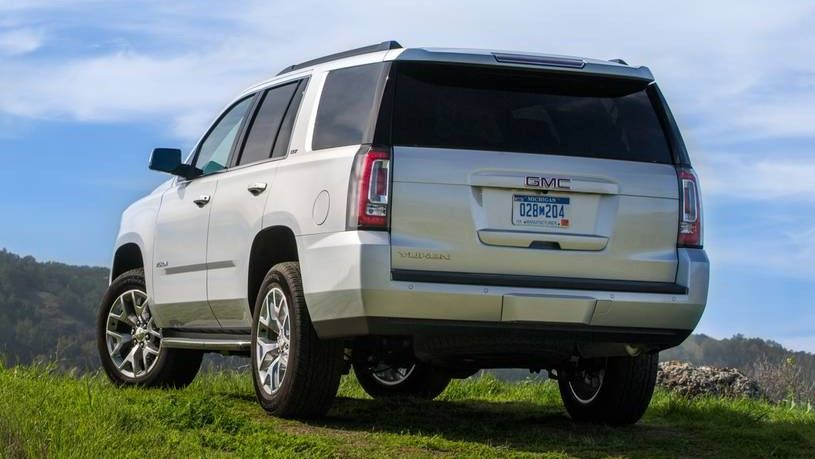 2020 GMC Yukon Rear Three-quarter View