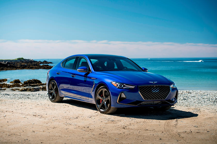 2019 Genesis G70 three quarter view