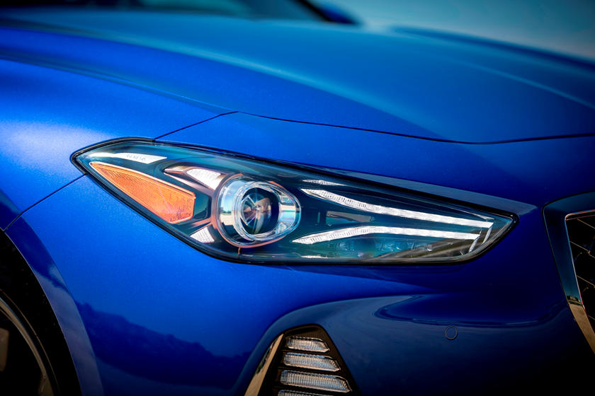 2019 Genesis G70 headlight