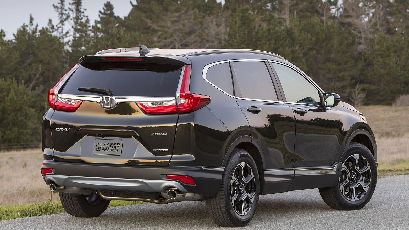 2020 honda crv rear three quarters