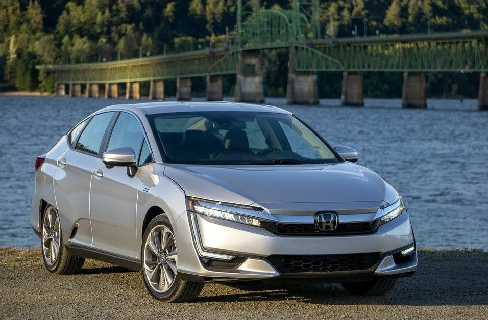 2020 Honda Clarity Plug-in Hybrid Angular Front View