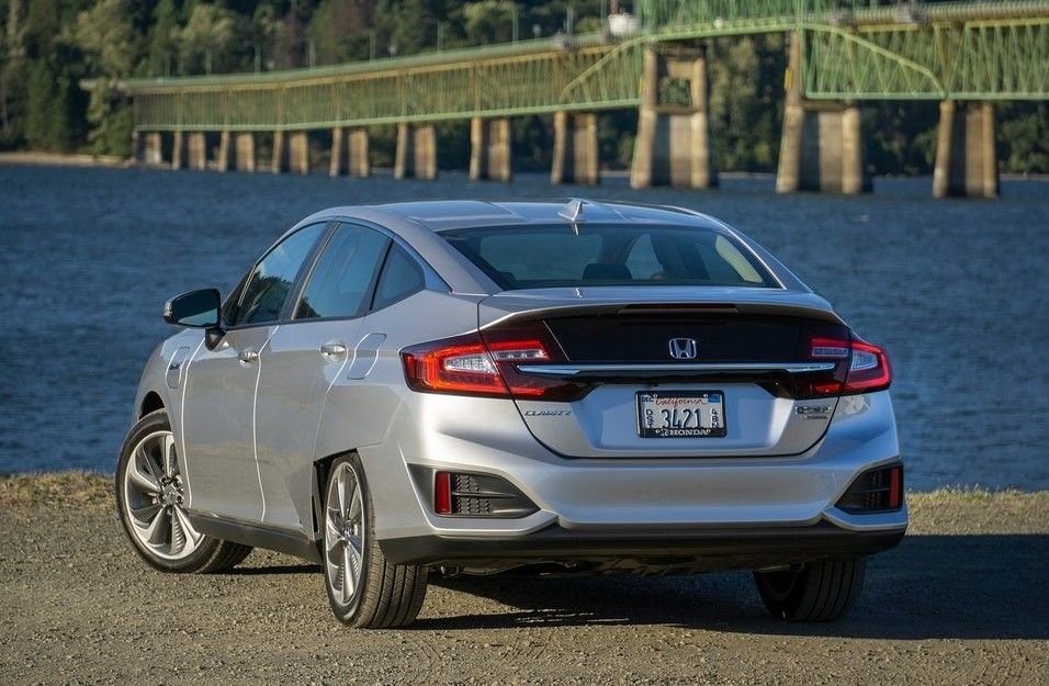 2020 Honda Clarity Plug-in Hybrid Angular Rear View