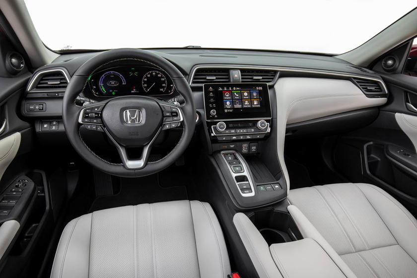 2020 Honda insight cockpit area