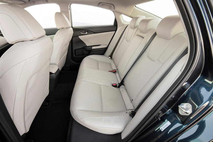 2020 Honda insight rear seat