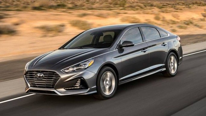 2020 Hyundai Sonata Front Three-quarter View