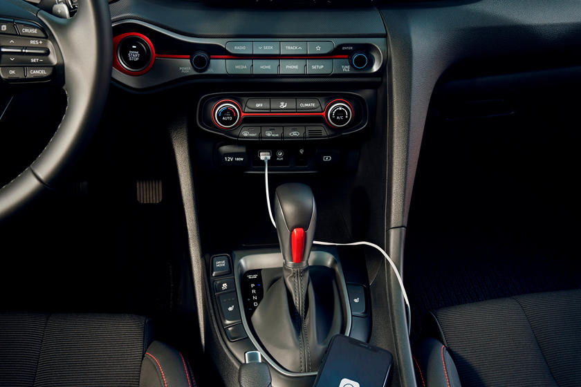 2019 Hyundai Veloster center console