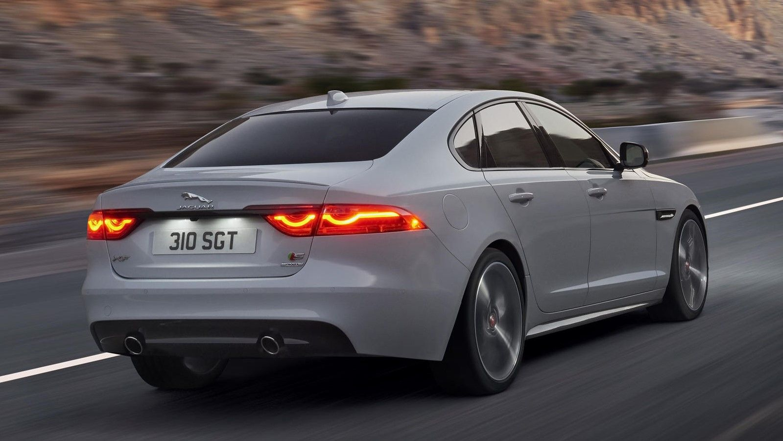 2020 Jauar XF sedan rear angle view