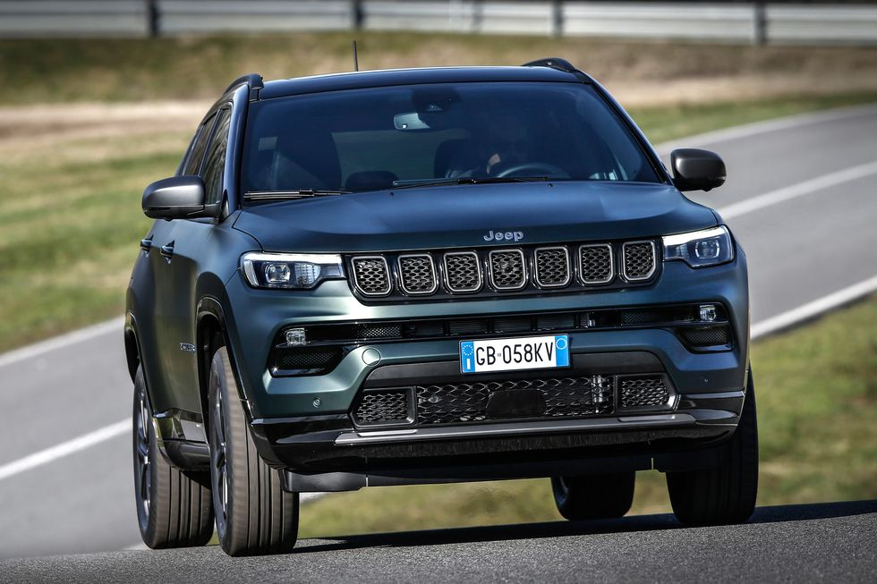 2022 Jeep Compass SUV front view