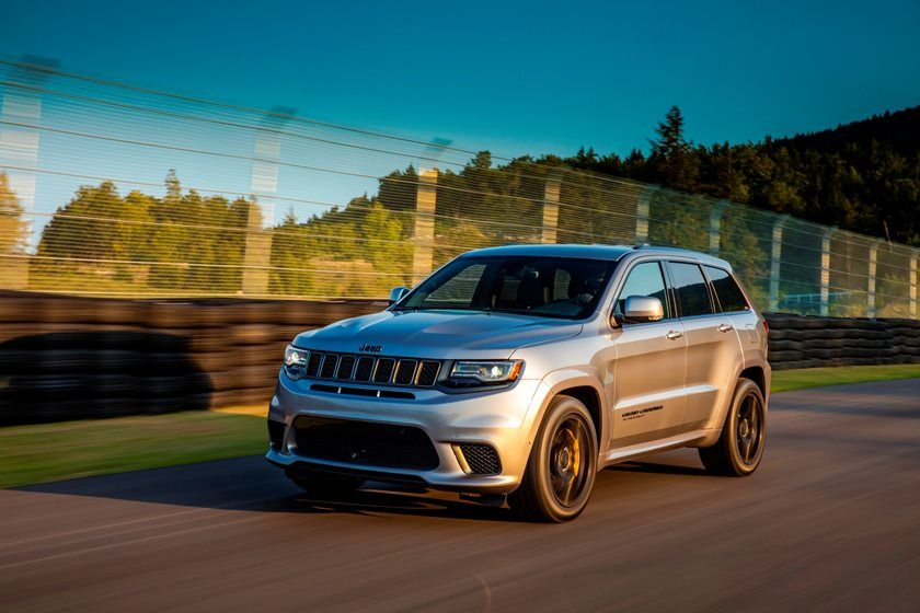 Jeep Grand Cherokee three quarter view