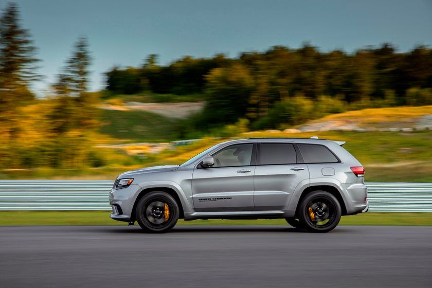 2019 Jeep Grand Cherokee side view