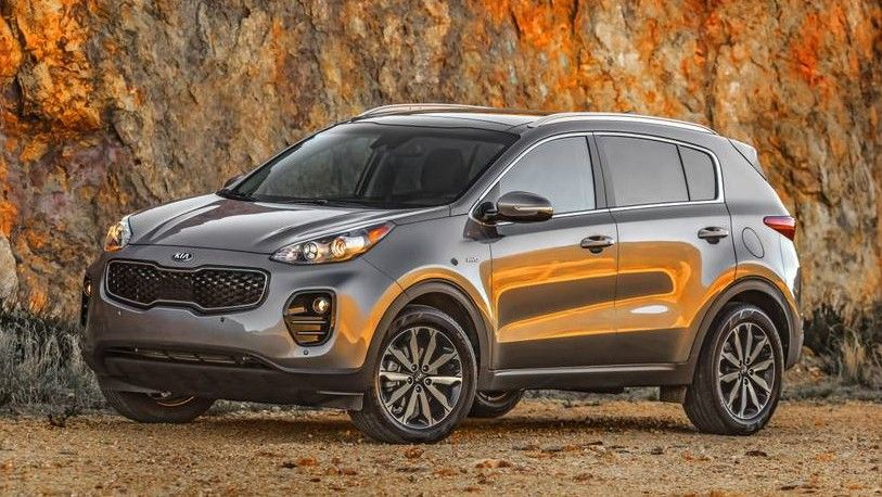 2020 Kia Sportage Front Three-quarter View
