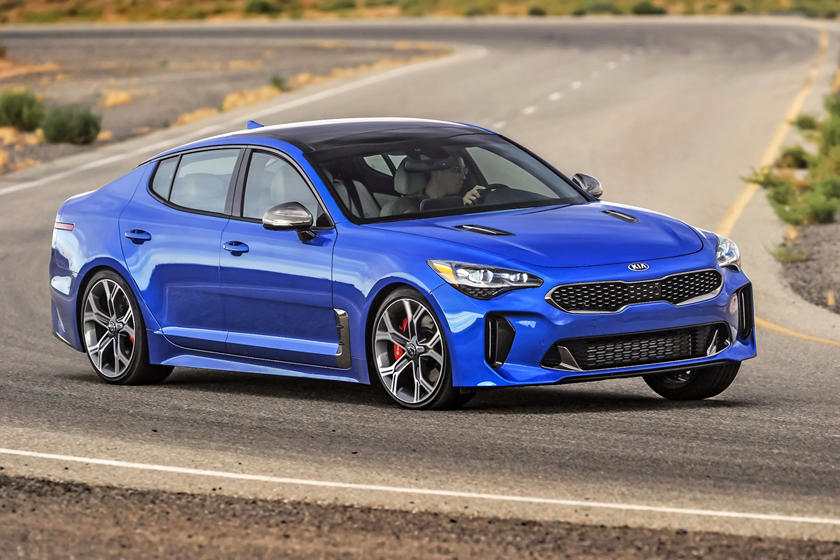 2020 Kia Stinger side view