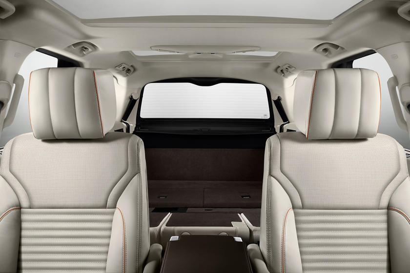 2020 Land Rover Discovery seat folded