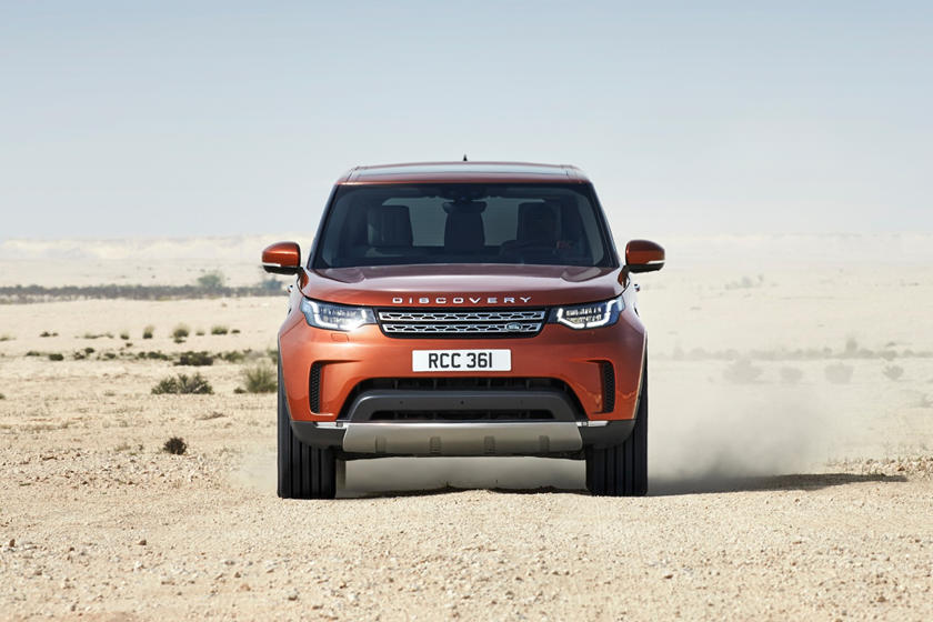 2020 Land Rover Discovery front view