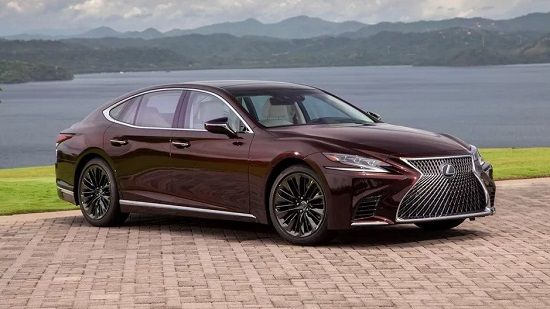 2020 Lexus LS 500 Front Three-Quarter View