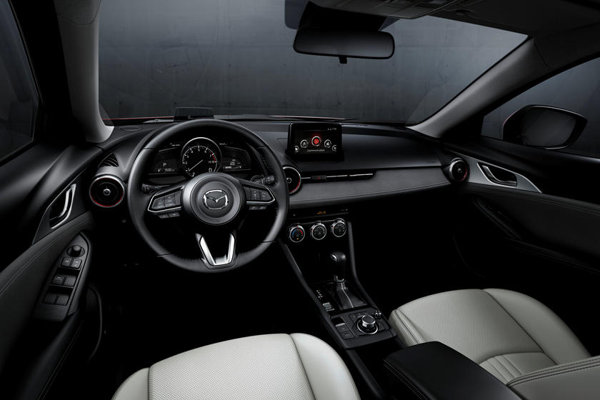 2020 Mazda CX-3 cockpit area