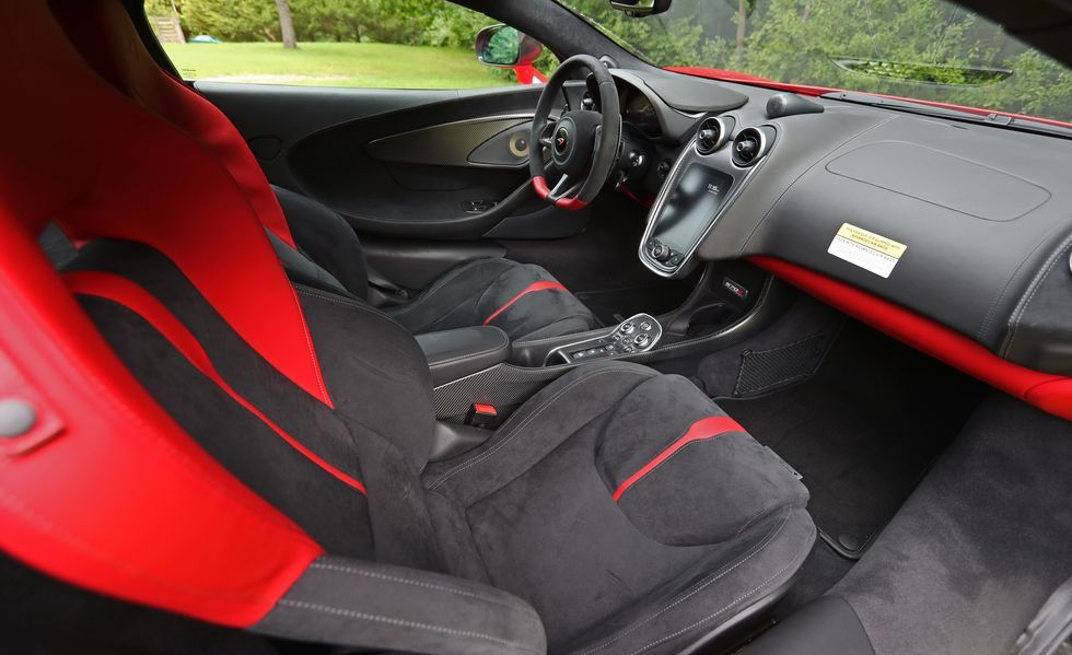 2019 Mclaren 570s coupe front seat