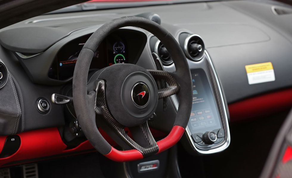 2020 Mclaren 570s coupe steering