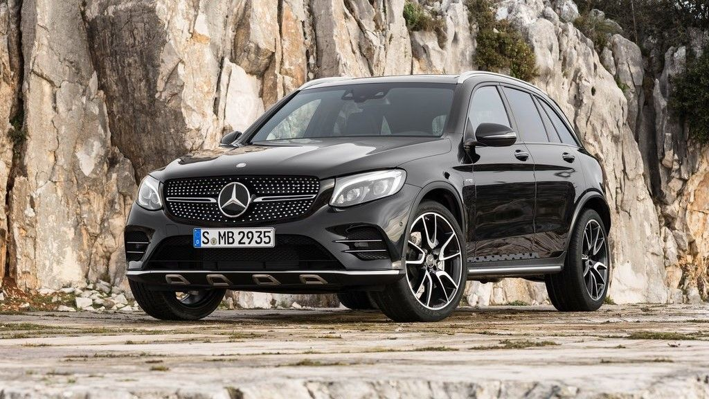 2020 Mercedes GLC 43 AMG front view