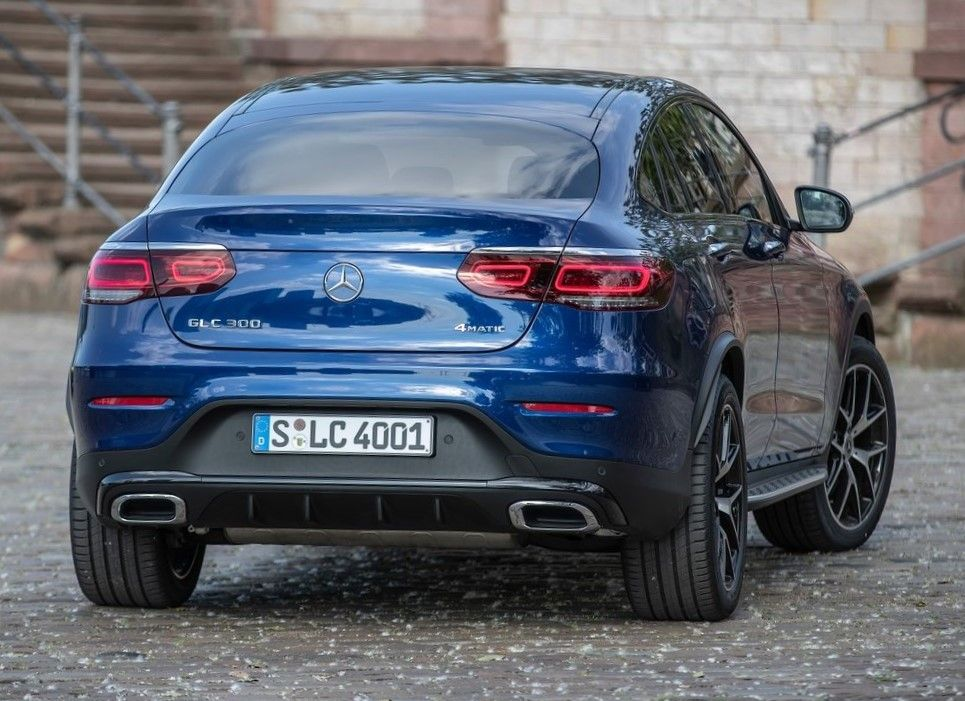 2019 Mercedes Benz GLC 300 Angular Rear View