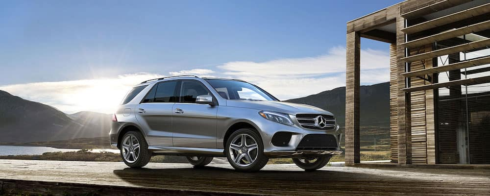 2020 Mercedes Benz GLE Class SUV front three quarters silver
