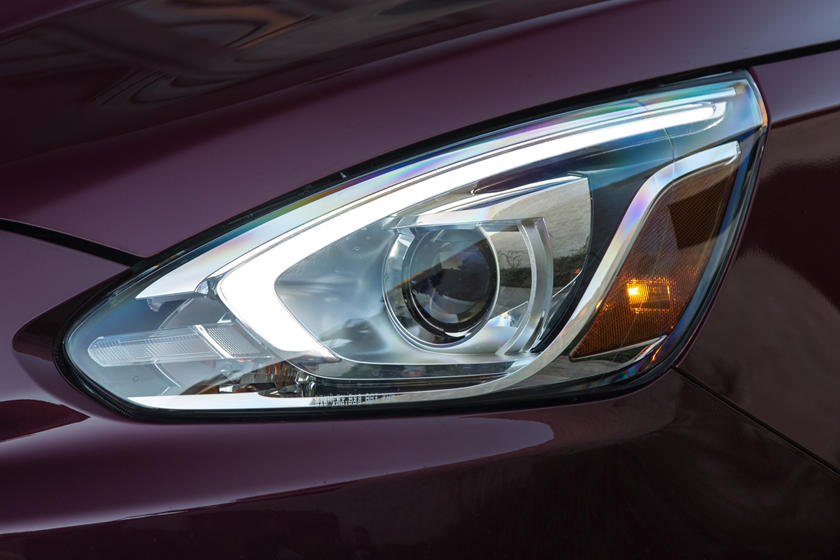 2020 Mitsubishi Mirage headlight