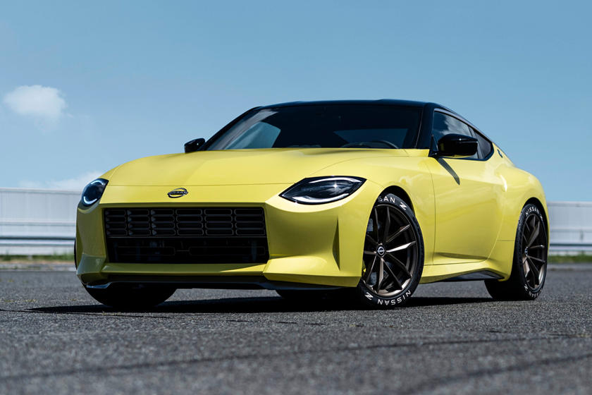 2022 Nissan 400Z Coupe front angle view