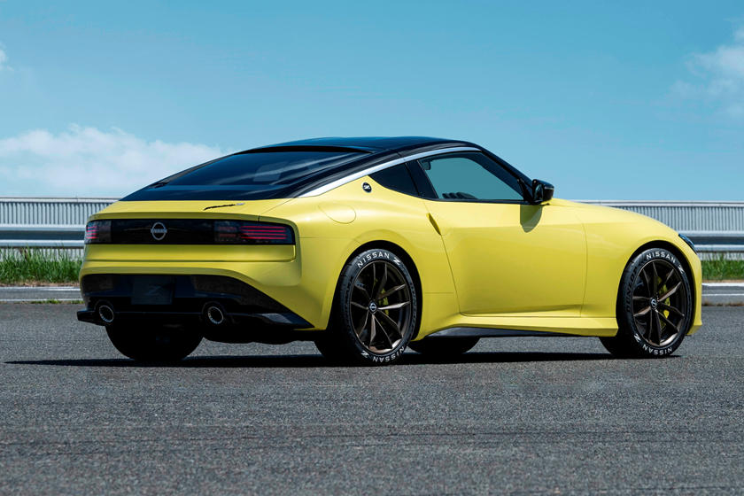 2022 Nissan 400Z Coupe rear angle view