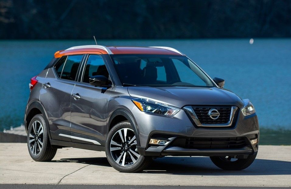 2020 Nissan Kicks three quarter view