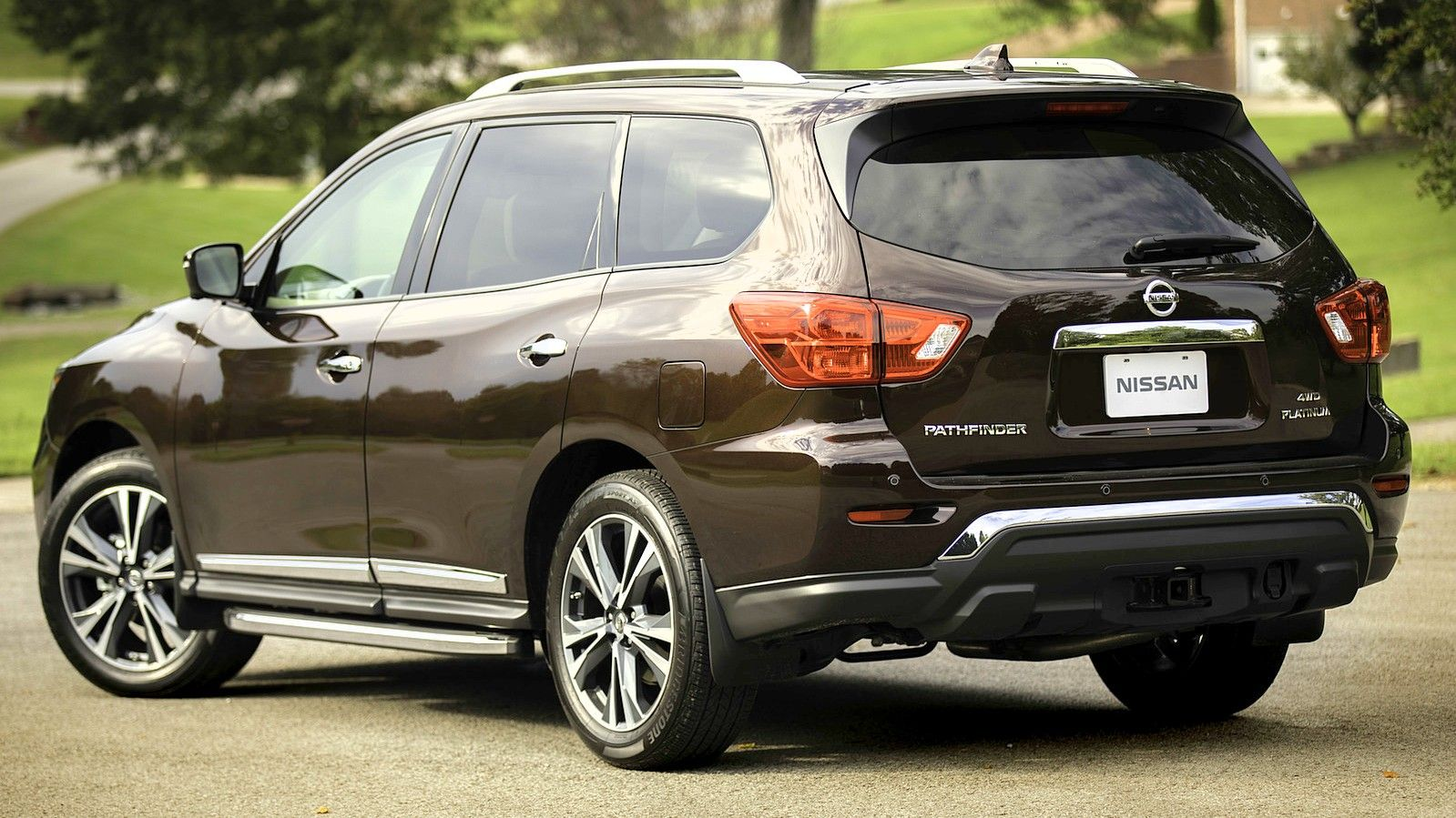 2020 Nissan Pathfinder rear three quarters brown