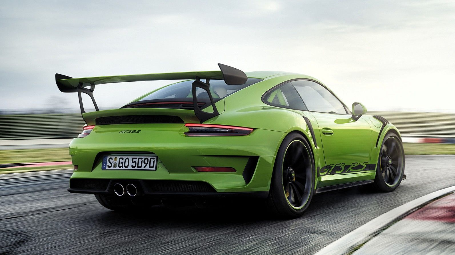 2019 Porsche 911 GT3 RS front rear quarters lizard green