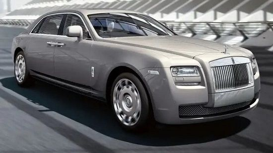 2019 Rolls-Royce Ghost Front Three-Quarter View