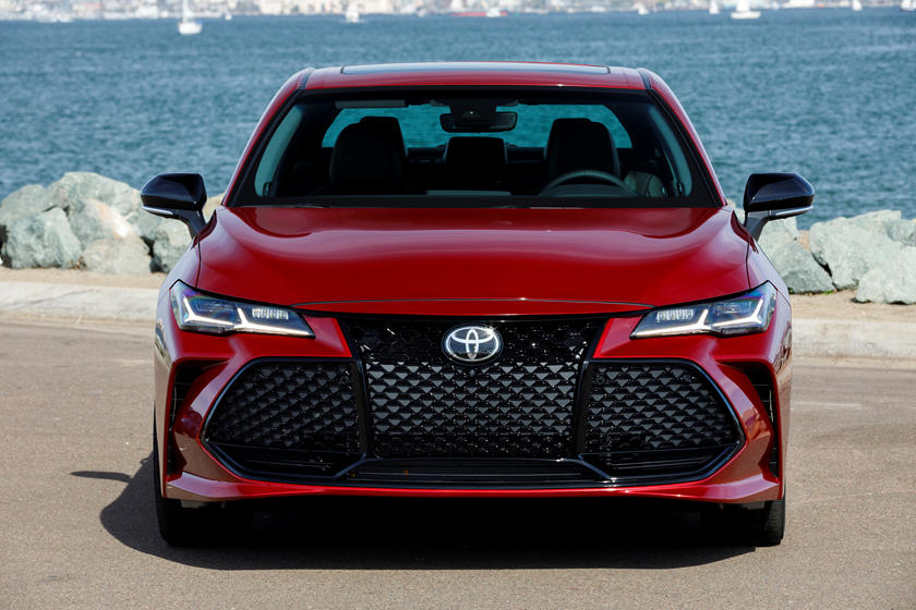 2020 Toyota Avalon front view