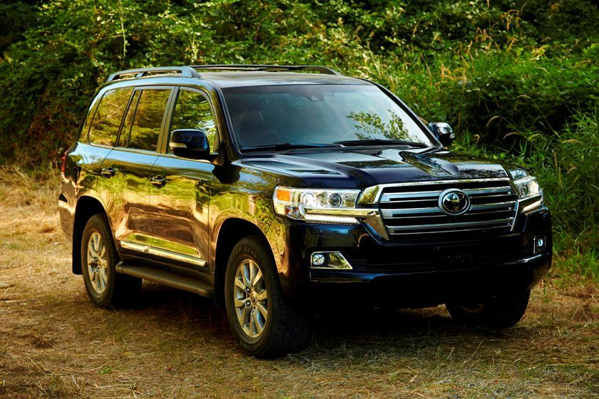 2020 Toyota Land Cruiser Front Three-quarter View