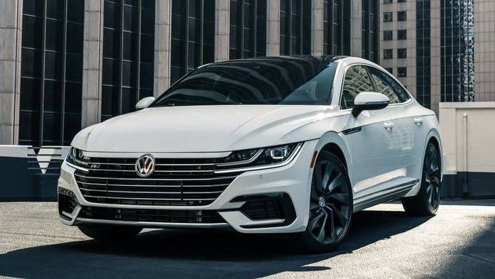 2020 Volkswagen Arteon Front Three-quarter View