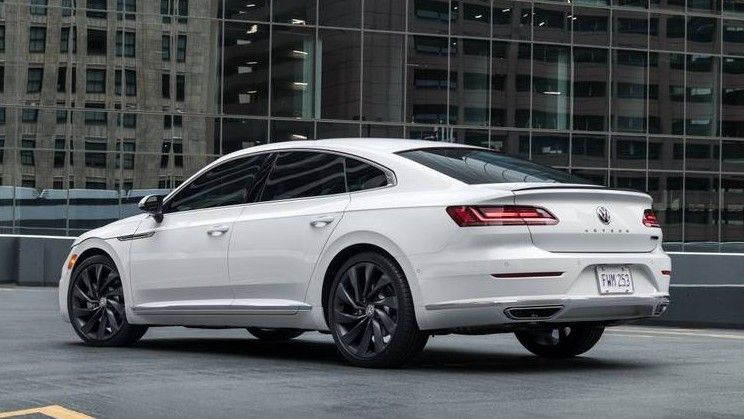 2020 Volkswagen Arteon Rear Three-quarter View